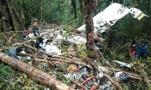 Ινδονησία: Οκτώ νεκροί σε συντριβή αεροσκάφους - Από θαύμα επέζησε ένας 12χρονος (pics)