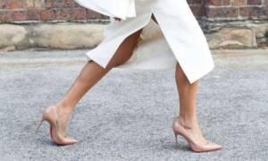 Αυτά τα παπούτσια θα κάνουν τα πόδια σου να δείχνουν ψηλότερα