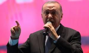 Ερντογάν: Σχέδιο εναντίον της Τουρκίας η βουτιά της τουρκικής λίρας