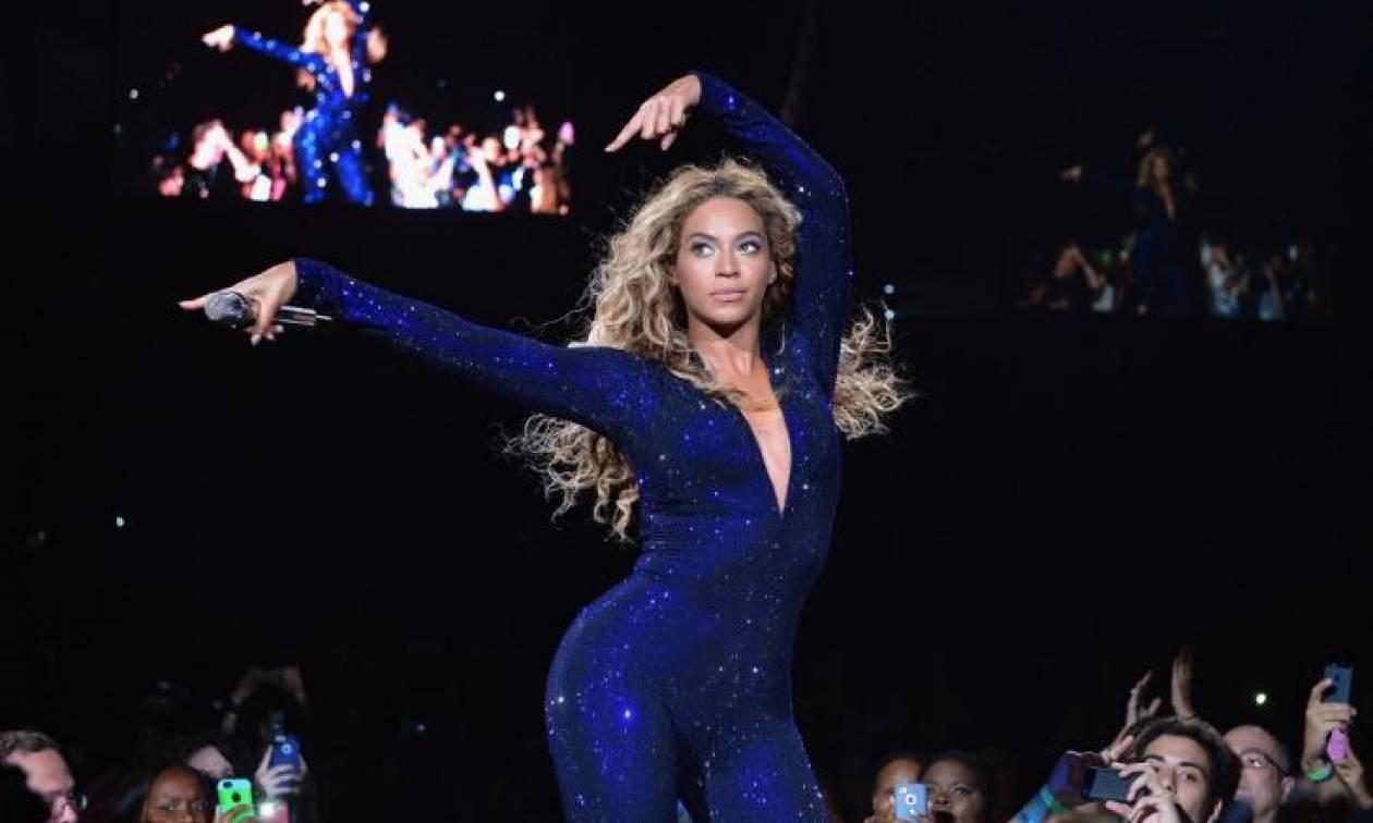 Η Beyoncé on stage με δημιουργία Έλληνα σχεδιαστή!