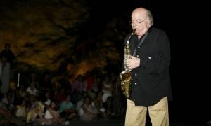 Σάλος στην Κέρκυρα: Έξαλλος ο μουσικοσυνθέτης Γιώργος Κατσαρός
