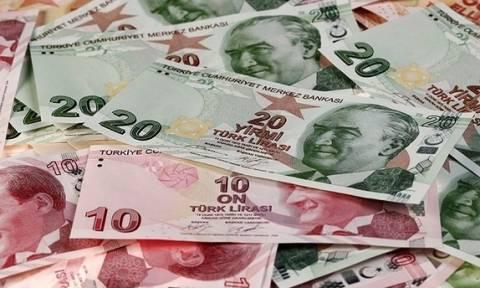 Αρνητικό ρεκόρ 13 μηνών για το ευρώ μετά τη «βουτιά» της τουρκικής λίρας