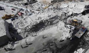 Συρία: Δεκάδες νεκροί από έκρηξη σε κτήριο που «έκρυβε» αποθήκη όπλων