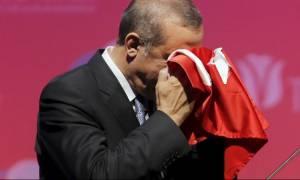 Ερντογάν: «Αιμορραγεί» η τουρκική οικονομία - Ο Τραμπ μάς μαχαίρωσε πισώπλατα