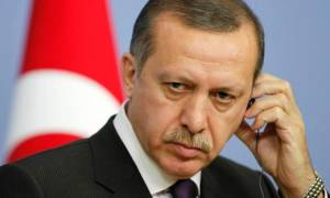 Guardian: Η Τουρκία παραπαίει στην άβυσσο που ο Ερντογάν δημιούργησε