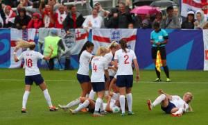 Δείτε το πιο ασυνήθιστο γκολ που μπήκε σε γυναικείο αγώνα ποδοσφαίρου!