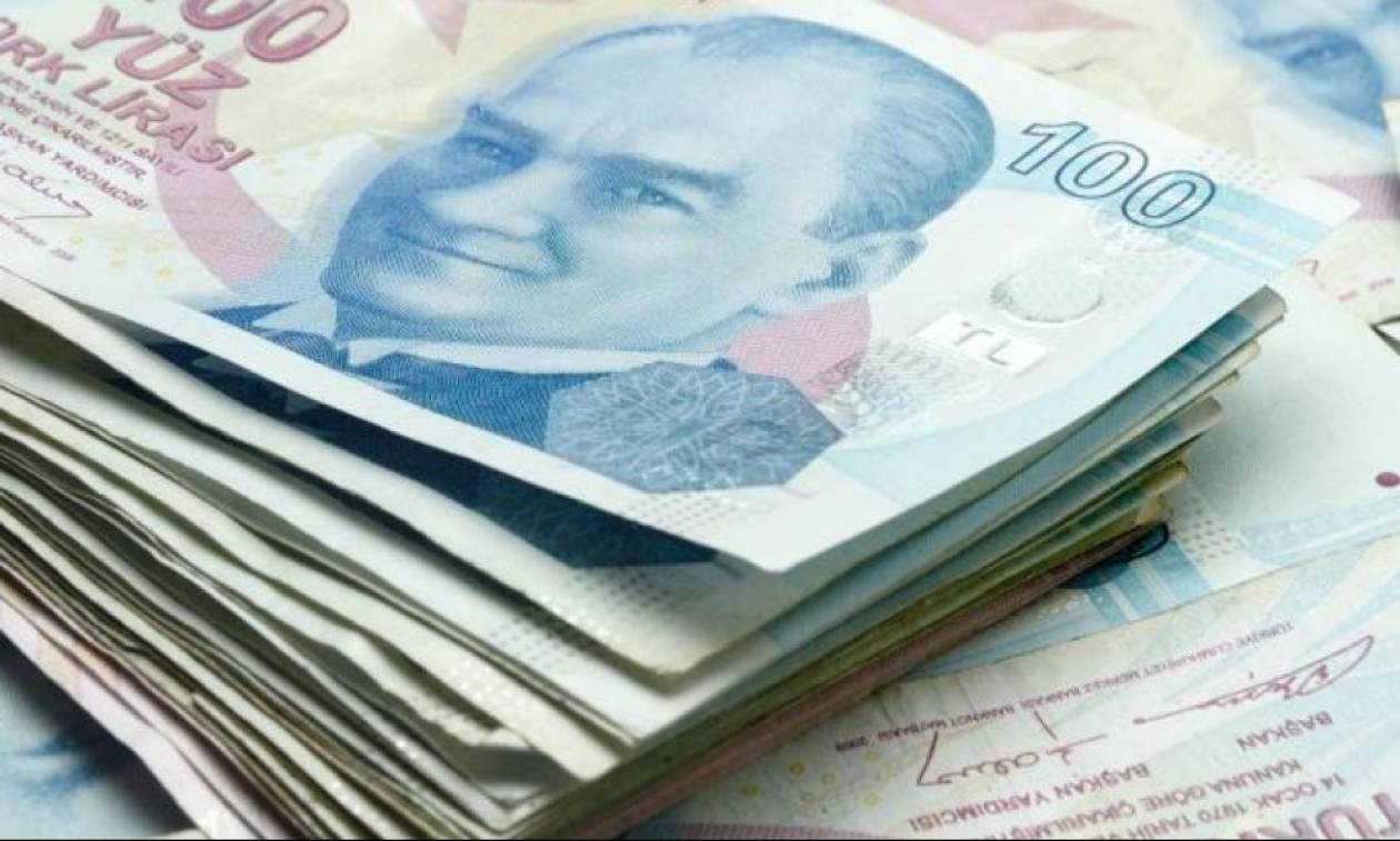 Ανακάμπτει η τουρκική λίρα έναντι του δολαρίου μετά τη στήριξη του Κατάρ