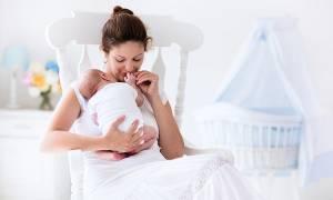 Γιατί μια γυναίκα αλλάζει και απομακρύνει τον άνδρα της όταν γίνεται μητέρα;