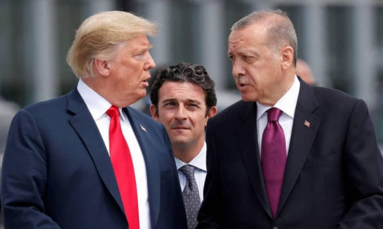 Ο Τραμπ «χτυπά» ξανά τον Ερντογάν: Δεν θα πληρώσουμε τίποτα στην Τουρκία για τον «όμηρο» πάστορα