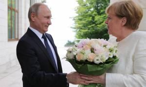 Πρώτα θα έχει γάμο και μετά... Μέρκελ ο Πούτιν
