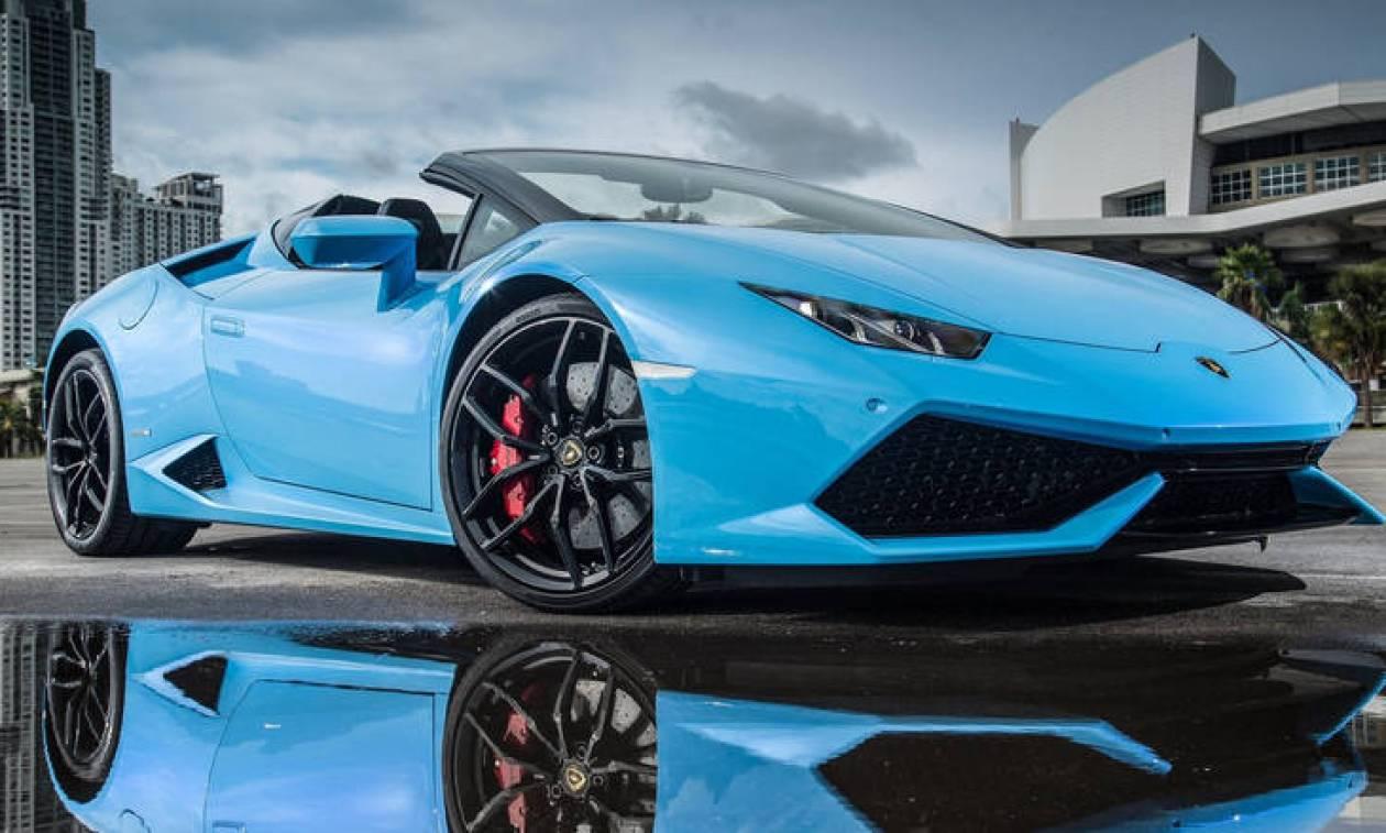 Αυτοκίνητο: Πόσο νομίζετε ότι διαρκεί η αλλαγή λαδιών σε μια Lamborghini Huracan;