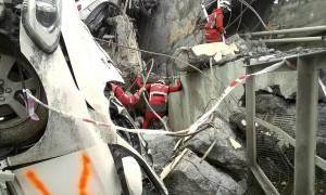 Γένοβα – Κατάρρευση γέφυρας: Βρέθηκε καταπλακωμένη από το μπετόν οικογένεια με εννιάχρονο κοριτσάκι