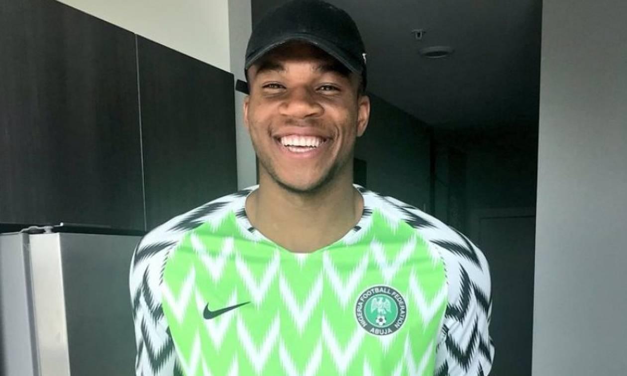 Φωτογραφία: Ο Αντετοκούνμπο με φανέλα της εθνικής Νιγηρίας