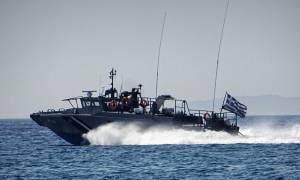 Οινούσσες: Συνεχίζονται οι έρευνες για τον 22χρονο αγνοούμενο του ναυαγίου