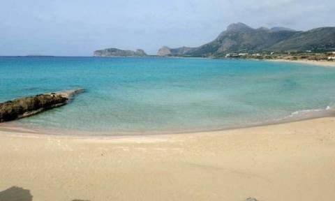 Κρήτη: Δεν φαντάζεστε με τι έφθασε στην παραλία πάμπλουτος τραπεζίτης! (vid+pic)