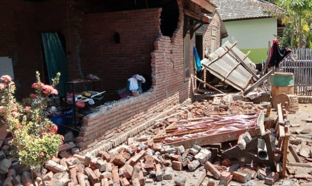 Ινδονησία: Νέος ισχυρός σεισμός 6,9 Ρίχτερ στο νησί Λομπόκ (Pics+Vid)