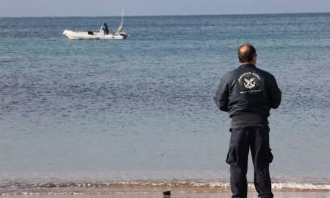 Οινούσσες - «Πιάστε το σχοινί, μην το αφήσετε»: Συγκλονίζει ο άνδρας που σώθηκε από το ναυάγιο (vid)
