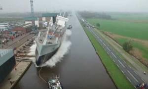 Ρίχνουν νέο πλοίο στο νερό. Και ακολουθεί... αυτό που θα δείτε (video)