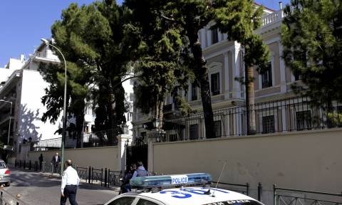 Επίθεση αντιεξουσιαστών στην πρεσβεία της Ιταλίας - Επτά προσαγωγές
