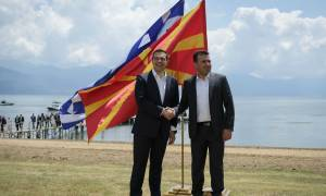 Προκλητικός ο Ζάεφ: Πανηγυρίζει για την κατοχύρωση της «Μακεδονίας» και της «μακεδονικής» γλώσσας