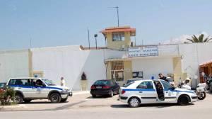 Περίεργη υπόθεση στις φυλακές Πάτρας - Τι βρήκαν αντί για πυρίτιδα μέσα σε φυσίγγια