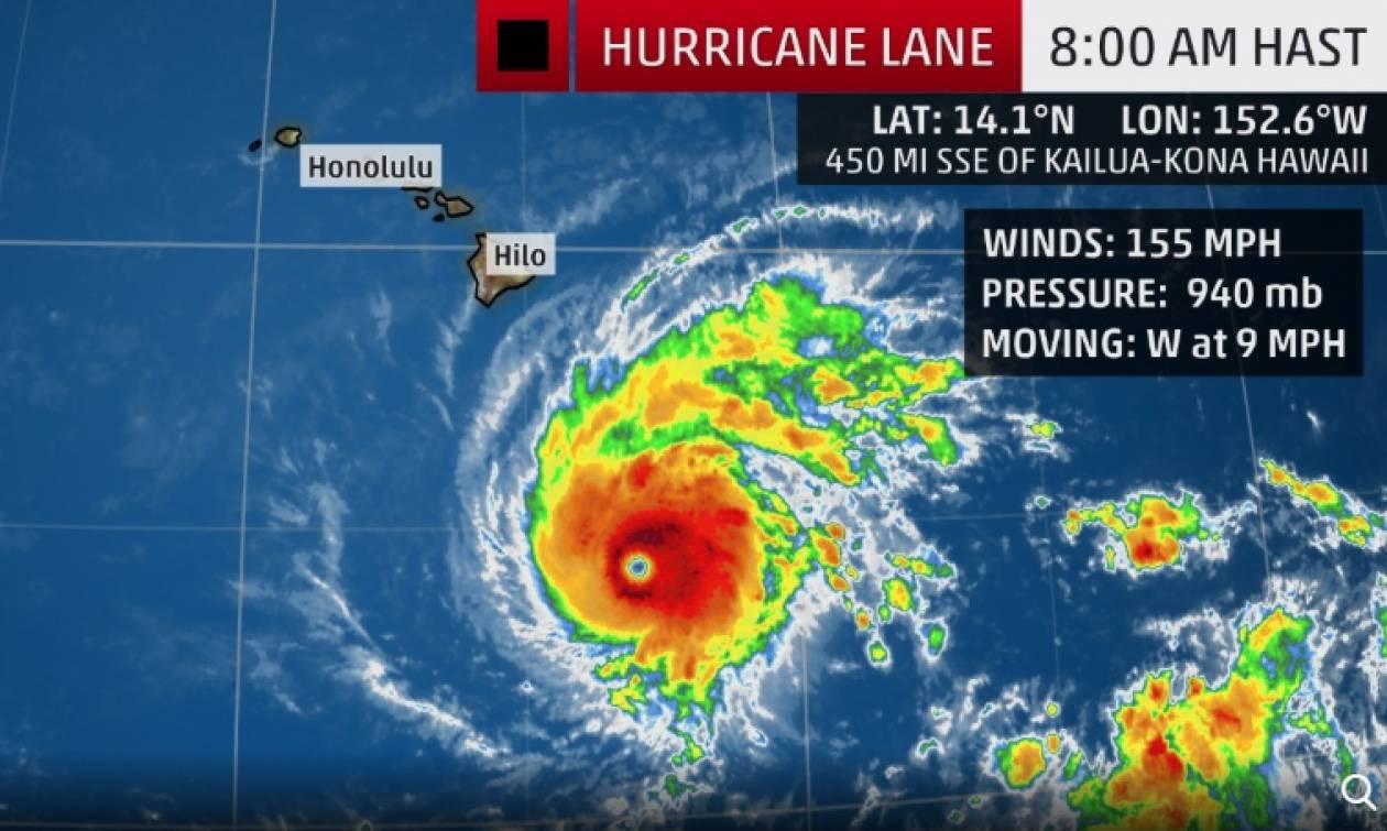 Συναγερμός στις ΗΠΑ λίγο πριν το «σφυροκόπημα» του τυφώνα Λέιν (Vid)