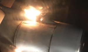 Τρόμος: Χωρίς να το ξέρει βιντεοσκοπούσε το ξέσπασμα της πυρκαγιάς στο αεροσκάφος που επέβαινε (Vid)