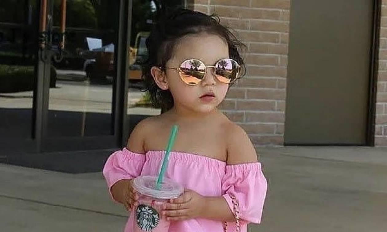 Έχετε δει κοριτσάκι να ντύνεται πιο μοδάτα απο αυτό;