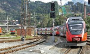 Αυστρία: Πήρε το τρένο μαζί με το... άλογό του