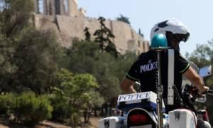 Φιλοπάππου - Μητέρα 25χρονου προς Τσίπρα: «Το γιο μου τον σκότωσε η Πατρίδα με δική σας συνενοχή»