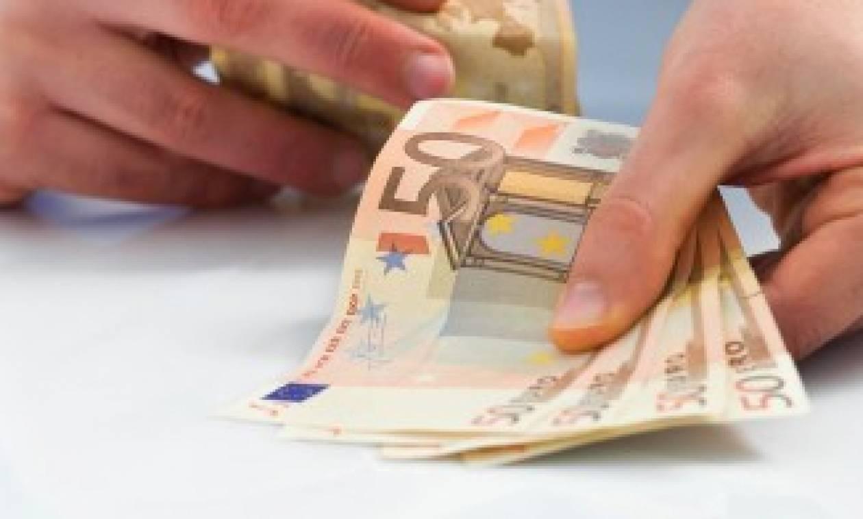 ΕΦΚΑ: Διπλές ασφαλιστικές εισφορές για χιλιάδες ελεύθερους επαγγελματίες