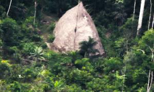 Drone εντόπισε άγνωστη φυλή του Αμαζονίου: Δείτε πώς ζουν (pics-vid)