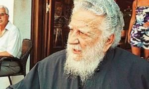 Πέθανε ο ιερέας που τέλεσε την κηδεία του Νίκου Καζαντζάκη παρά την απαγόρευση της Εκκλησίας