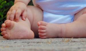 ΗΠΑ: Κλειδώθηκε το μωρό της μέσα στο αυτοκίνητο και οι Αρχές αρνήθηκαν να βοηθήσουν