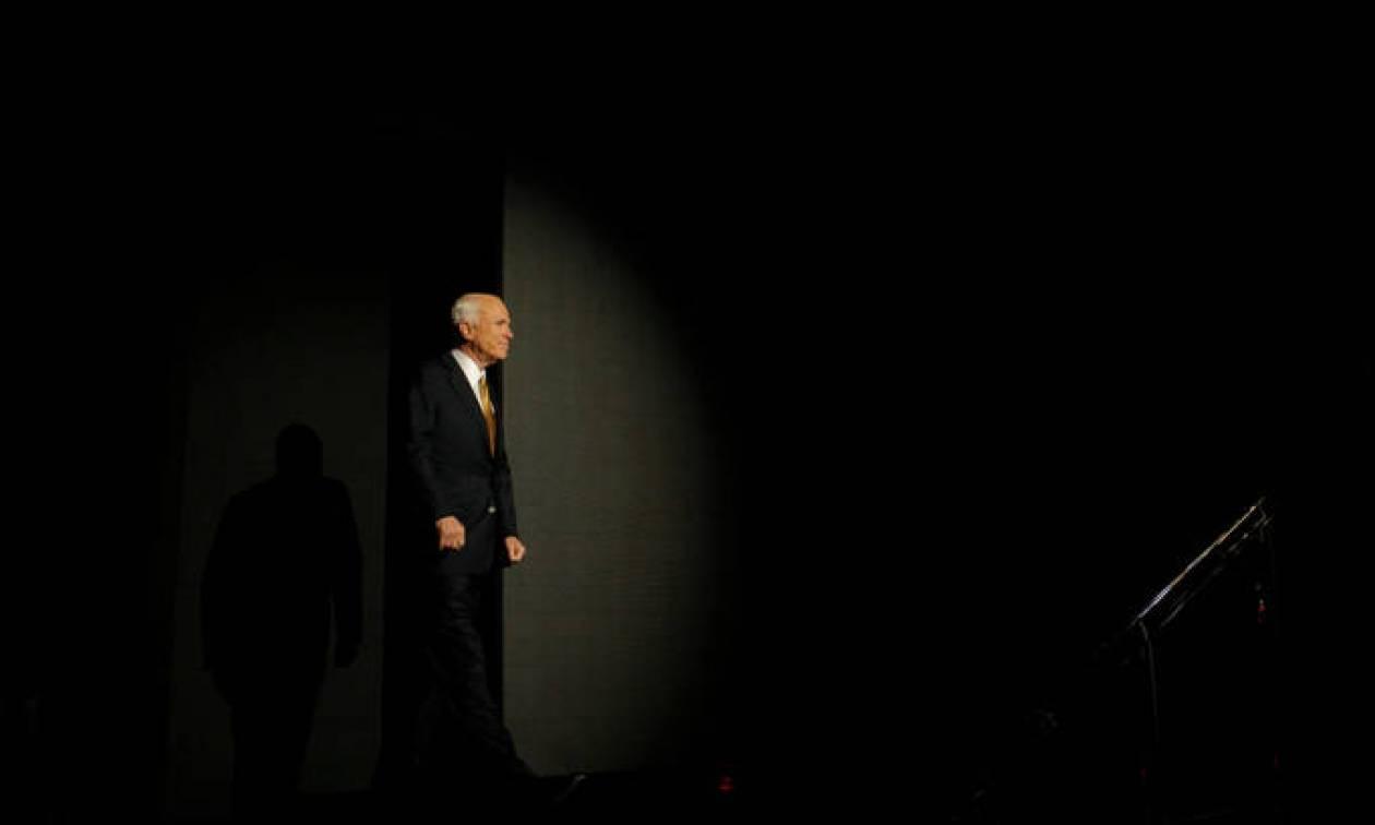 Τζον Μακέιν: Η ζωή και το τέλος του γερουσιαστή