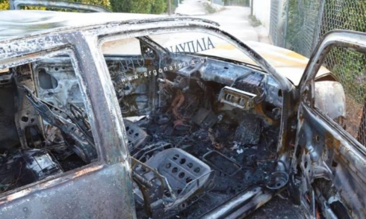 Άργος: Αυτοκίνητο εξετράπη της πορείας του και τυλίχθηκε στις φλόγες