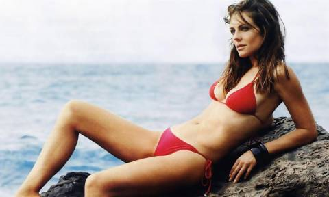 Η πασίγνωστη ηθοποιός κάνει γυμνόστηθες απλωτές στην Ελλάδα!