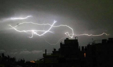 Έκτακτο δελτίο ΕΜΥ: Με καταιγίδες και πολλά μποφόρ η Δευτέρα - Φόβοι για πλημμύρες (pics)