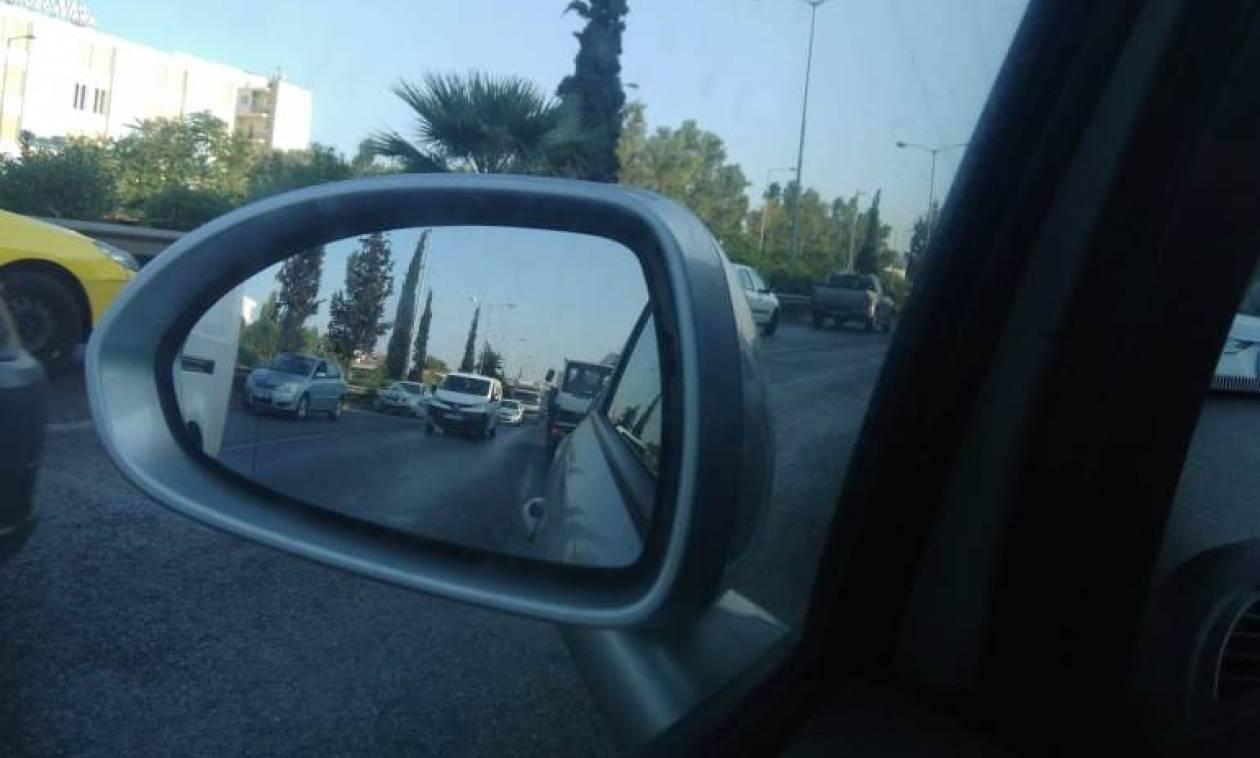 Κίνηση στους δρόμους: Επέστρεψαν οι Αθηναίοι – Πού εντοπίζονται προβλήματα
