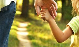 Επίδομα παιδιού: Πότε εκπνέει η προθεσμία για την αίτηση Α21 - Όλες οι λεπτομέρειες