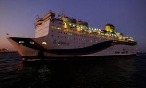 Φωτιά στο πλοίο «Ελευθέριος Βενιζέλος» - Επιστρέφει στον Πειραιά (pics&vid)