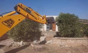 Αυθαίρετα: Ξεκίνησε η κατεδάφιση των πρώτων 22 κτισμάτων στην Αθηνών – Σουνίου (pics)