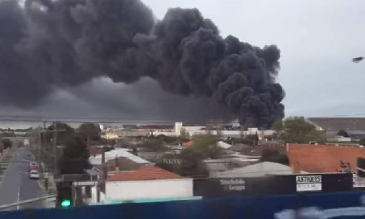 Συναγερμός στη Μελβούρνη: Τοξικός καπνός «σκέπασε» την πόλη (vid)