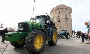 Αγρότες - Πανελλαδική Επιτροπή Μπλόκων: Kάλεσμα για συμμετοχή στο συλλαλητήριο ενόψει της 83ης ΔΕΘ