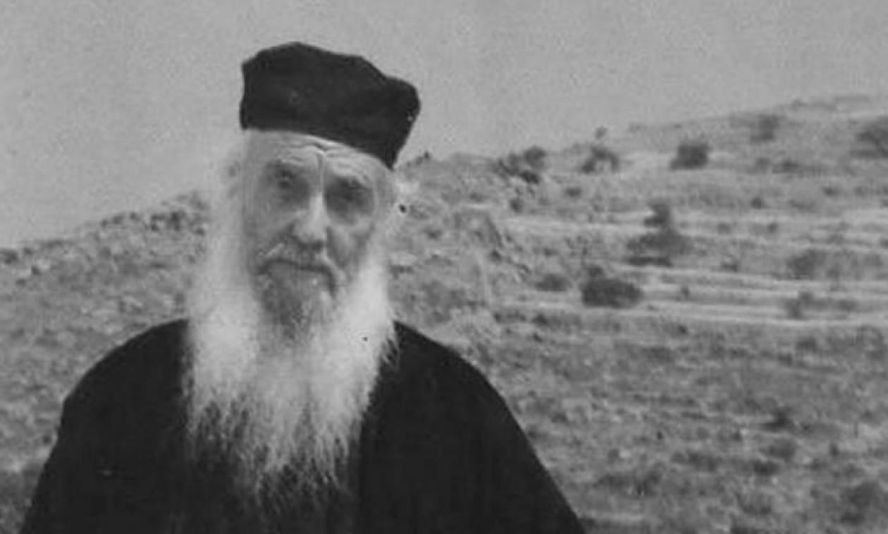 Γέροντας Αμφιλόχιος Μακρής: Συγκλονίζουν τα θαύματα του νέου Αγίου