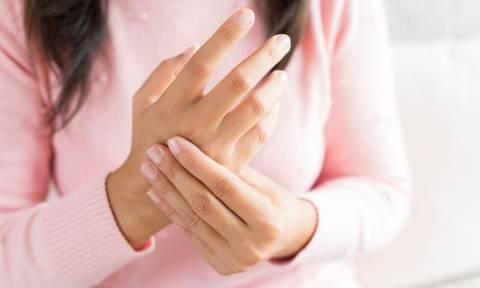 Συμπίεση νεύρου: Τι είναι & με ποια συμπτώματα εκδηλώνεται