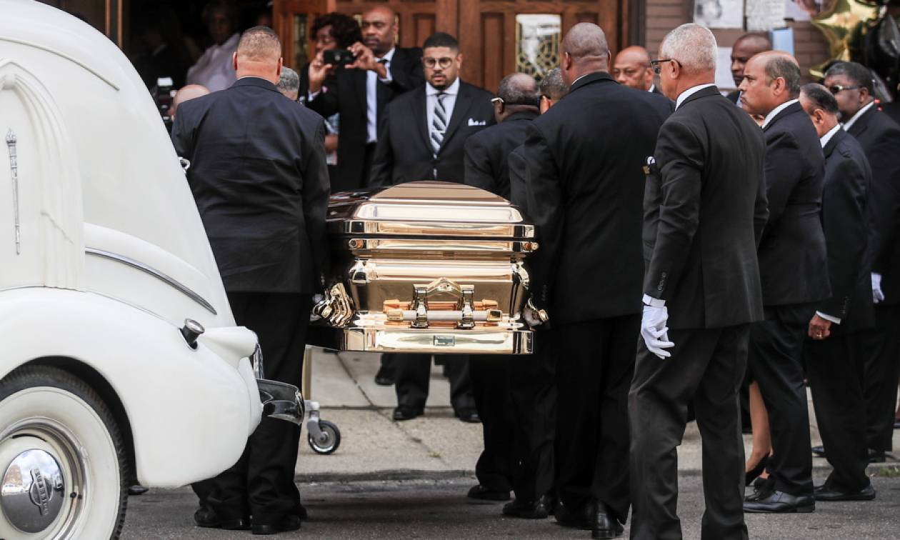 LIVE Aretha Franklin: Το τελευταίο αντίο στη «βασίλισσα της soul»