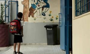 Συμβουλές προς μαθητές για το πώς να κρατούν σωστά τη σχολική τσάντα