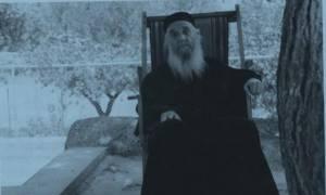 Συγκλονίζουν τα θαύματα του νέου Αγίου Γέροντα Αμφιλόχιου Μακρή