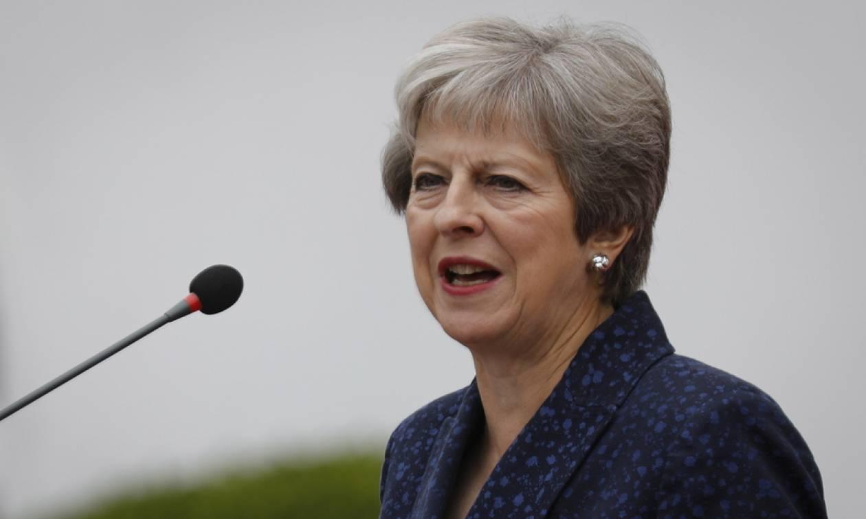 Βρετανία: Θέλουν «να τελειώσουν» την Τερέζα Μέι - Ποιον προορίζουν για αντικαταστάτη της